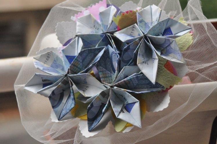 ramos-de-flores-con-billetes3