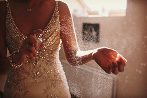 imagen-1_El-perfume-de-la-novia-el-dia-de-la-boda